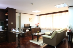 Yellow Ribbon Hills , Bangkok Hotel, Sathorn Hotel, Clean and Cheap Hotel, Yellow Ribbon Hills , Free Wi-Fi , Japanese resturant , Service apartment , BTS chongnonsi , BRT Sathorn , one bedroom , longstay in Thailand , longstay Bangkok , longstay hotel